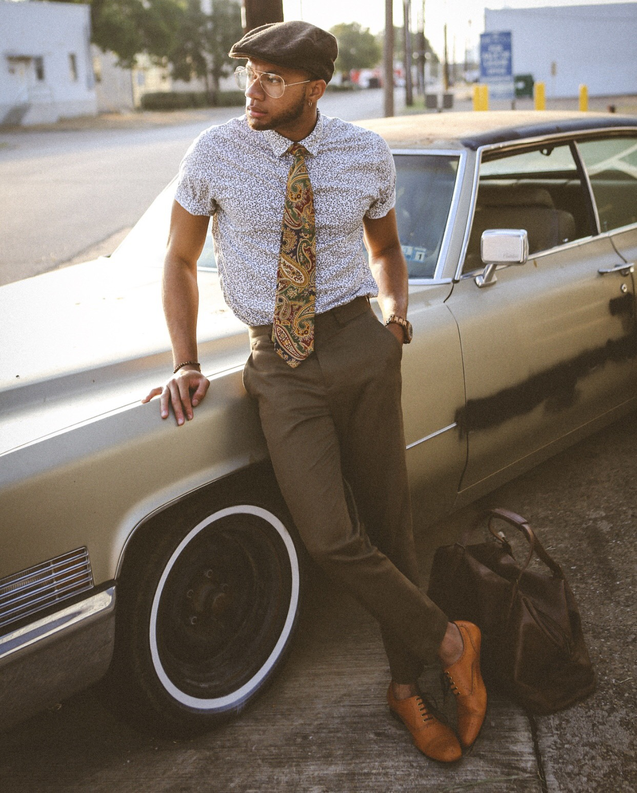 Eric Jones in a Vintage with a Twist setting